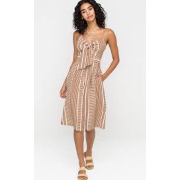 Anthropologie Dresses & Skirts - Anthro striped cut out midi dress sm